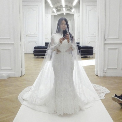 kim-kardashian-selfie-book-gallery-1